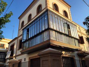 balcón ventanal ventanas fachada rehabilitación sevilla