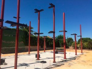 Cimientos con vigas de hierro Guzmán Construcciones S.L.